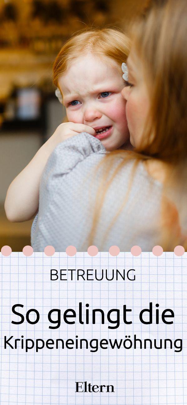 Krippeneingewöhnung - nicht gerade ein Wort, das Eltern gerne hören. Verbunden wird es schnell mit traurigen Kindern und Tränen. Auch bei den Großen! Sabine Kowatsch ist Krippenpsychologin und kennt die Ängste der Eltern nur zu gut. Im Interview erklärt sie, wie die Eingewöhnung in der Kinderkrippe für Kind und Eltern gut klappt.