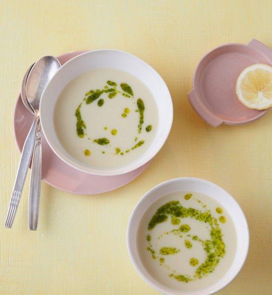 Kartoffel-Zitronen-Suppe mit Feldsalat-Pesto