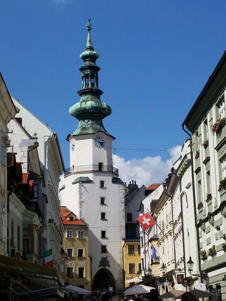 Puerta del Arcángel San Miguel - Bratislava