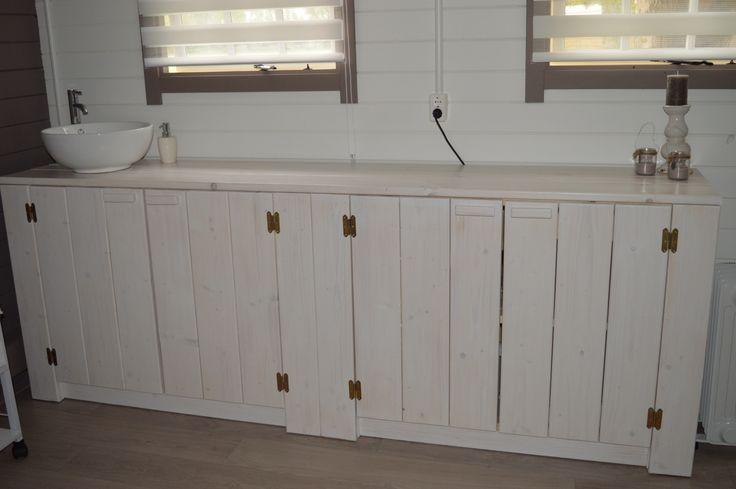 Wastafel dressoir gemaakt voor schoonheidssalon La Beauty in Hoofdplaat