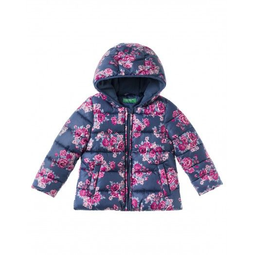 Long sleeved padded jacket with hood and allover floral print. Zip closure at…
