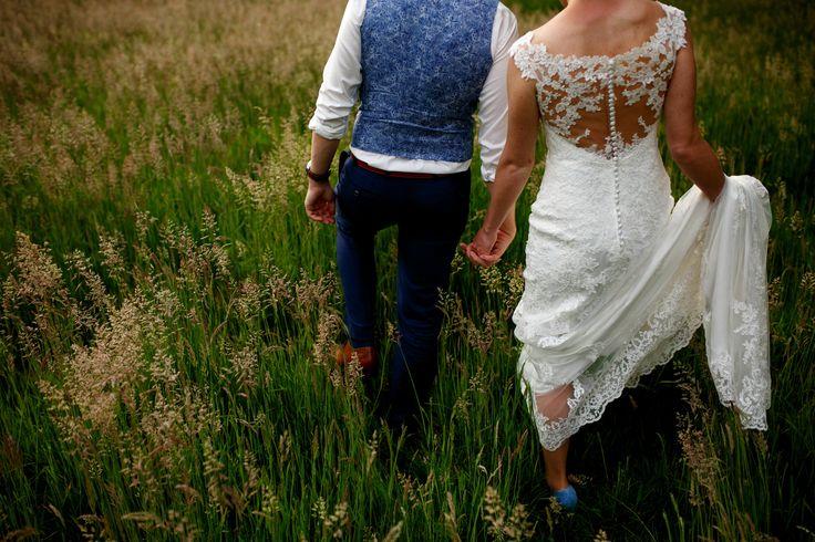 Fotoshoot tijdens zonsondergang | Bruiloft in Eindhoven door de Kievit Bruiloften Bruidsfotografie