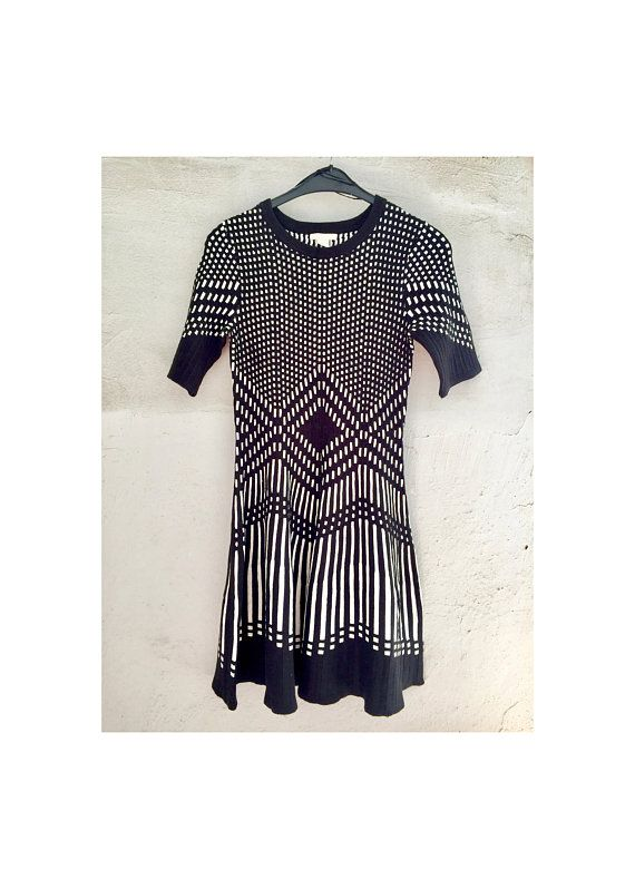 8f17f52bcd76 Black and White Geometric Knit Dress . Premium H&M . US Size 6 . Short  Sleeves - Above Knee