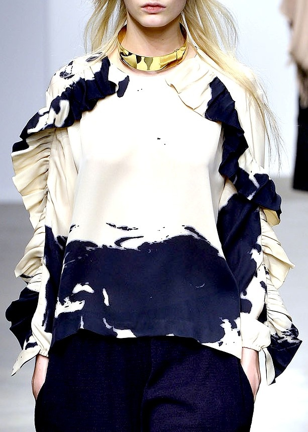 Avant Guard fashion...Bohemian street fashion styles; A Détacher