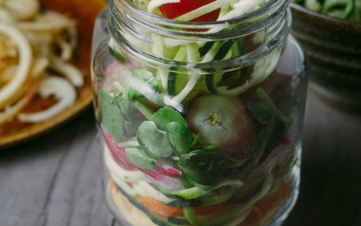 5 Easy, Quick Steps to Making Mason Jar Salads