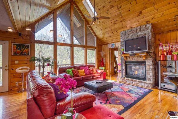 Hello Dolly Deluxe 1 Bedroom Pigeon Forge Cabin Rental Pigeon Forge Cabin Rentals Pigeon Forge Cabins Cabin