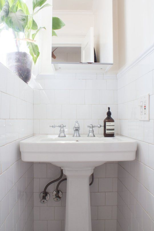 Inexpensive Organizers Everyone With a Small Bathroom Should Be Using | Apartment Therapy