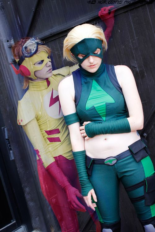 Artemis & Kid Flash Cosplay http://geekxgirls.com/article.php?ID=3727