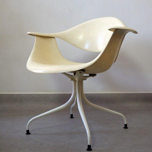 For Sale 1958 Rare Swag Chair by George Nelson for Herman Miller #moderndesign #midcenturymodern #designclassics #georgenelson #interiordesign #americanclassics #furnituredesign #interiordecor #worldofinteriors
