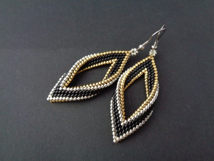 mini Tutorial - based on  Celtic Knote Earrings by Susan Harle - Bead & Button magazine of October 2014