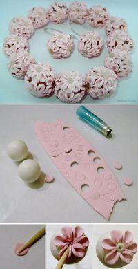 Tuto fimo : Perles fleuries   Bijoux sucrés, Bijoux fantaisie, Bijoux gourmands, Pâte Fimo, Nail Art et Miniatures gourmandes