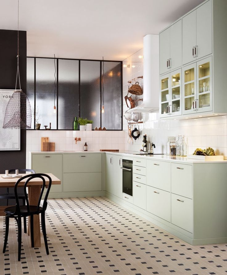 Lovely kitchen in combination with copper, light green and black.  Photos: Ballingslöv