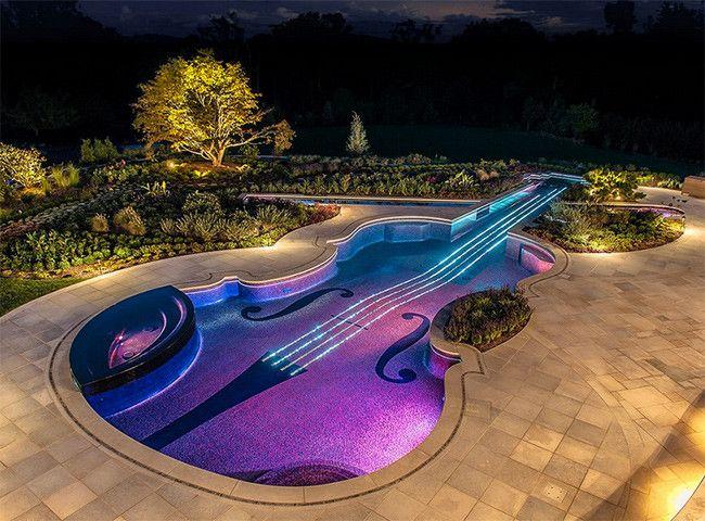 Alucinante #iluminación la de esta piscina