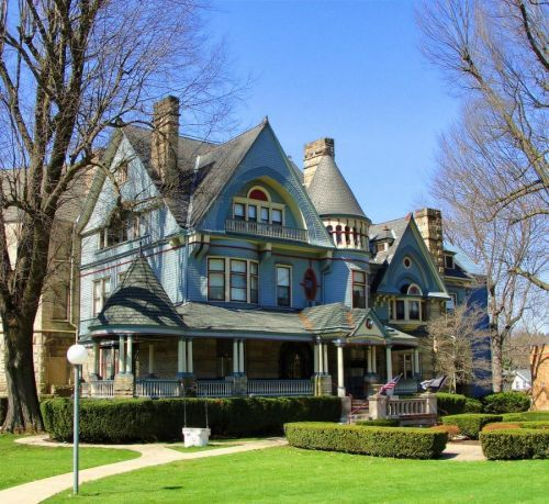 Victorian house - love the colours