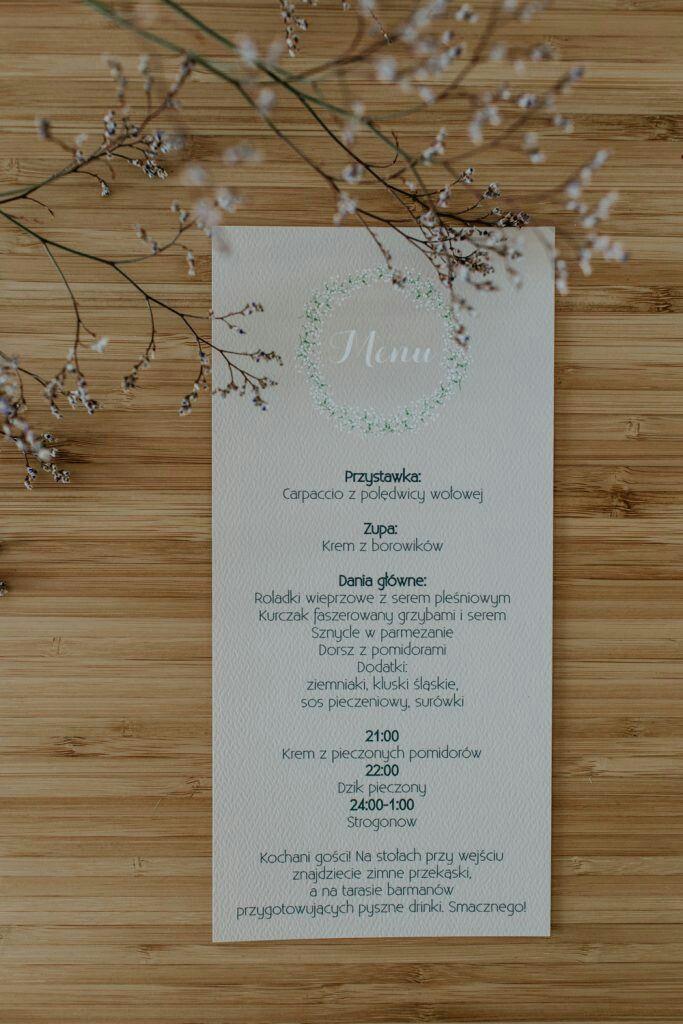 Rustic wedding menu #rusticwedding#rusticmenu#rusticbride#weddingideas#weddinginspiration#bridetobe