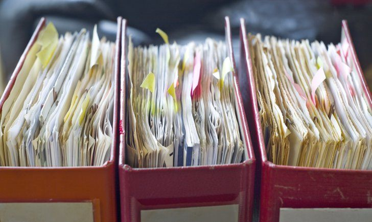 Pin for Later: When to Stash or Trash Important Papers Employment Records Keep W-2 forms for seven years, and I recommend holding onto offer letters for the extent of each position as well as performance evaluations.
