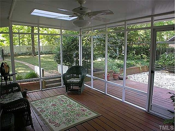 17 best images about screened porch on pinterest decks for Detached screened porch