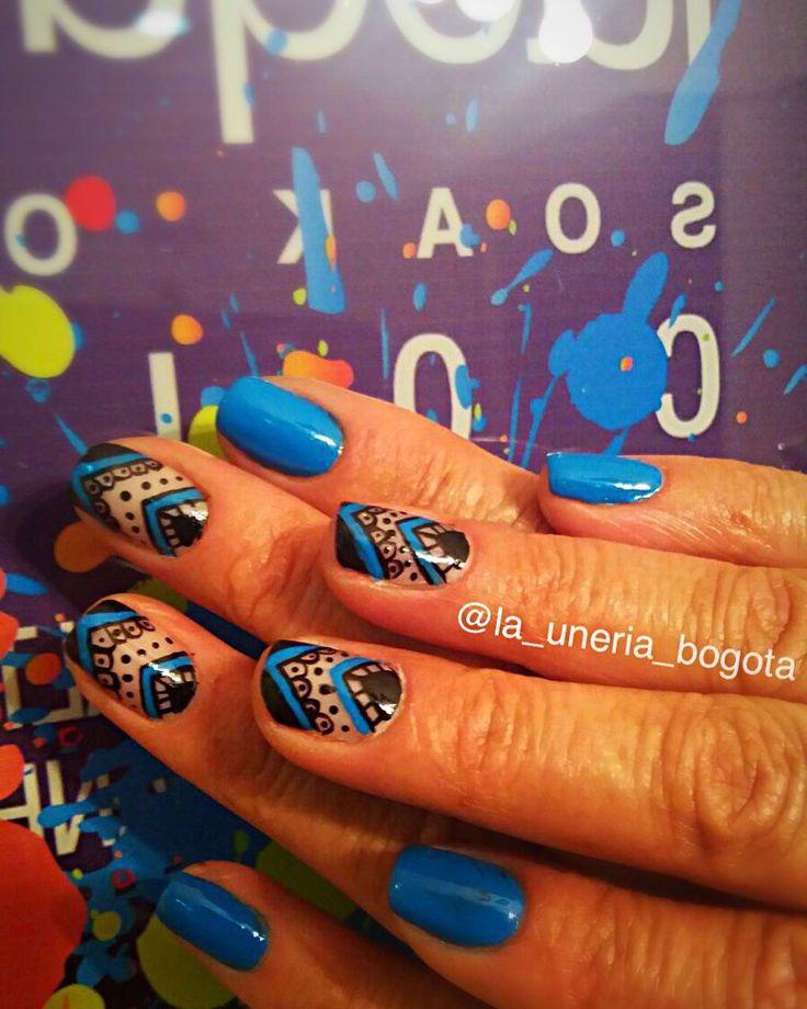 Los más lindos #nailart  están siempre en #launeriabogota visítanos y trae tu #nailart para que aquí hagamos el resto !!! 310-2925294 cita!!! #nail #nails #arte #trabajo #nailsbar #nailspro #nailsart #nailedit #nails2inspire #nailpolish #nailstagram #nailscolombia #nailsoftheday #bogota #colombia #manicure #masglo #velaterapia #sorpresa #azul by la_uneria_bogota