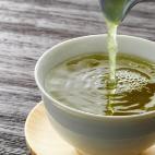 Sie trank ein Jahr lang grünen Tee und nahm 50 Kilo ab