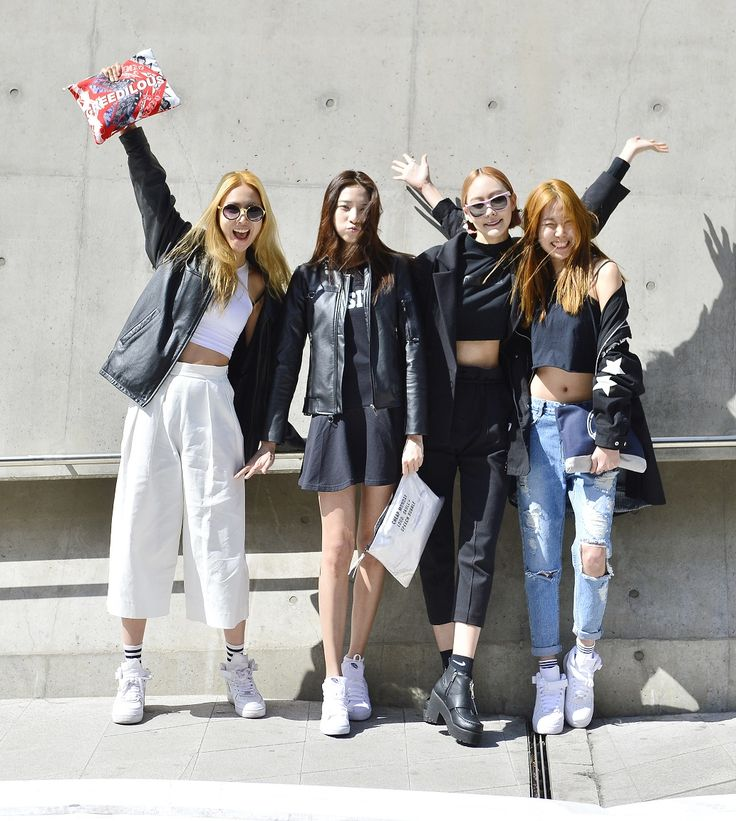 Street style: Chun Ji Hye, Lee Hyun Ji, Seok Dan Bi and Kim Hyun Jin at Seoul Fashion Week Fall 2015 shot by Baek Seung Won