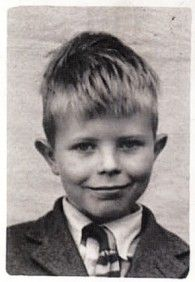 Retronaut - See the past like you wouldnt believe.  David Bowie at school