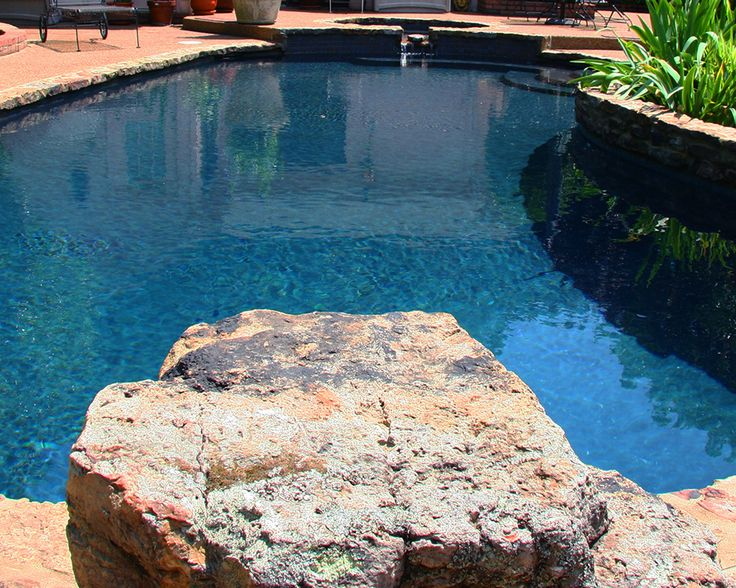 Memphis pool diving rocks getwell tn memphis tn for Stone swimming pool
