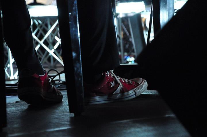 Converse rosse... Non possono mancare! #GiuseppeBarbera #Arisa #Amami #concert #pianist