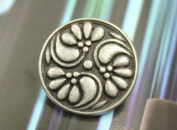 Metal Buttons  Flower Swirl Metal Buttons  Antique by Lyanwood