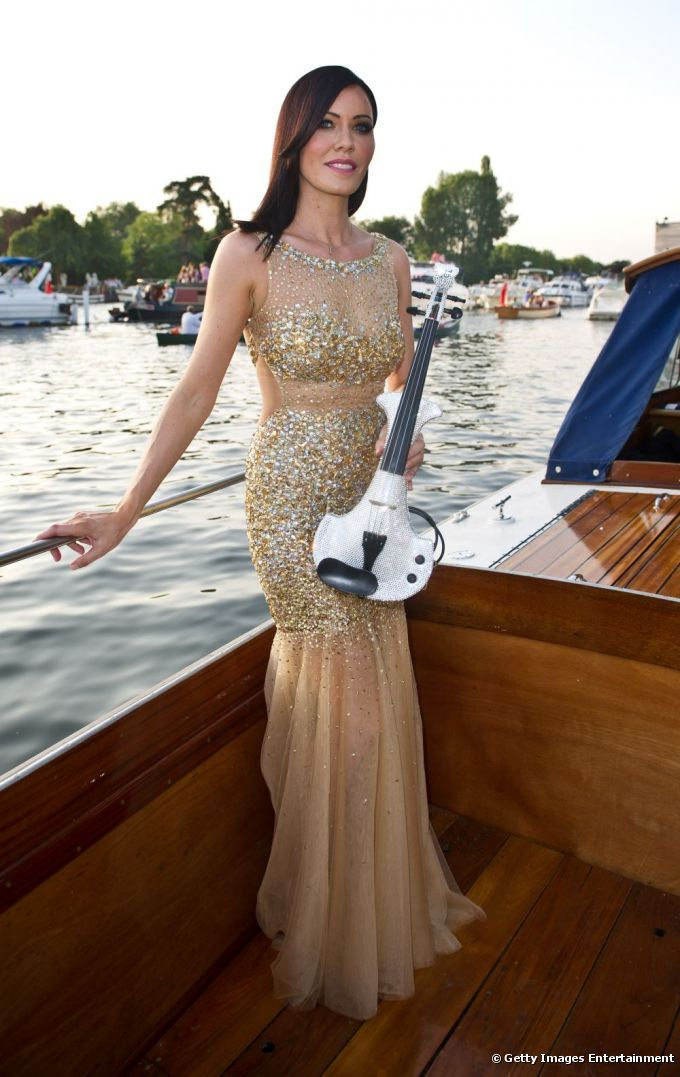 Featured on L'Oreal's Website today...how to get the red carpet look at Henley Festival Lx http://www.bellezaextraordinaria.cl/articulo/consigue-el-maquillaje-intenso-y-elegante-que-impuso-linzi-stoppard-en-la-gala-james-bond_a384/1