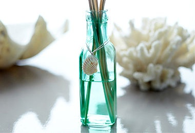Home Fragrances & Murano Glassware. What I like about this is the color of the bottle and the shell around the neck.: Charms, Murano Glassware, Colors, Shells Decor, Cute Ideas, Glass Bottles, Home Fragrance, Glasses Bottle