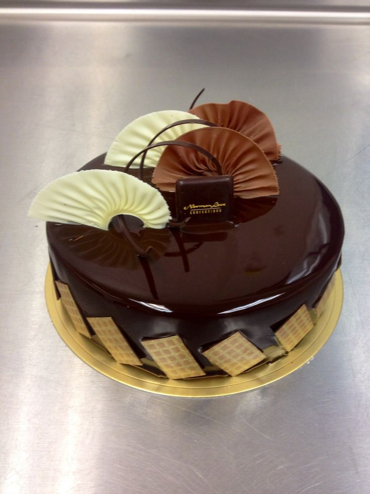 Dark chocolate glaze entremet with chocolate fans #nlc #pastries # ...