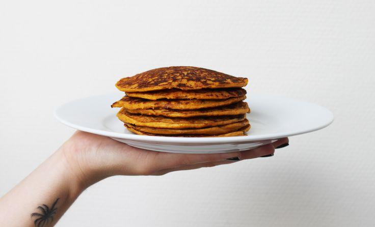 Zoete aardappel pannenkoeken? Ja, dat lees je goed. Ik heb een heerlijke gezonde variant op pannenkoeken bedacht, perfect voor een ontbijtje!