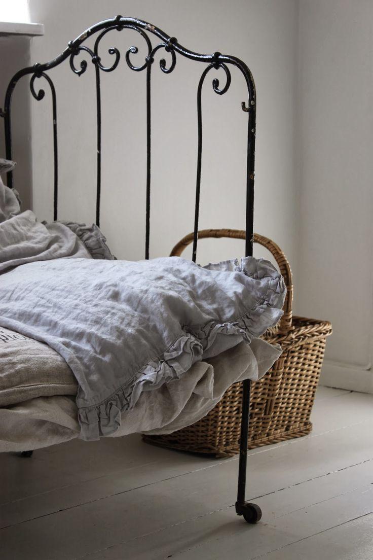Vintage white metal bed frame - Metal Beds