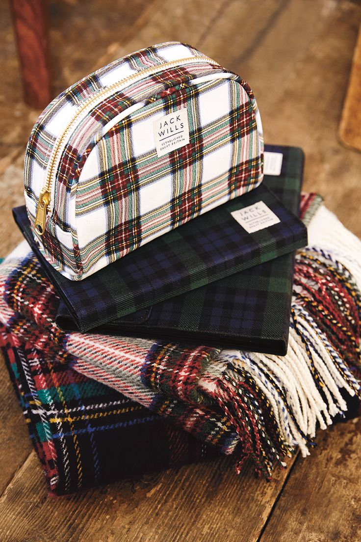 Tartan yourself up with the modern and practical Ashridge Make Up Bag. Dressing up just got more fun!