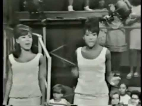 MUSIC OF THE SIXTIES   The Girl Groups (Martha,Crystals,Shirelles,Ronettes,Marvelettes,Supremes)