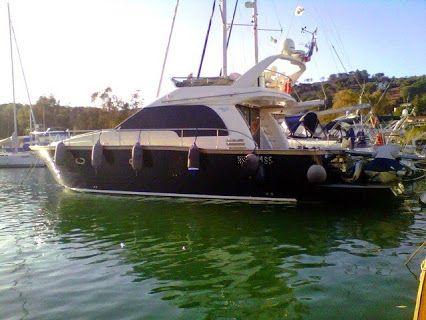"""Barca a motore Fly SANREMO 465 2008 - 3 Cabine+2bagni - 2x480 Yanmar Diesel Scafo blu, Autoclave, Aria condizionata, Boiler, Elica di prua, Autopilota L'imbarcazione  """"non paga la tassa di possesso"""".....  Imbarcazione disegnata da FULVIO DE SIMONE.....che ha dato vita a molte imbarcazioni PERSHING!!! € 199.000 Nauticamato srl http://www.yachtworld.it/barche/2009/Sanremo-465-2704989/Italia#.VFi-1_mG_oE"""