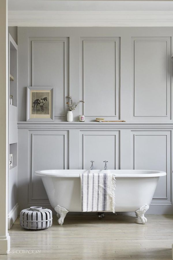 An industrial chic home in London // home decor // gray walls // bathroom decor