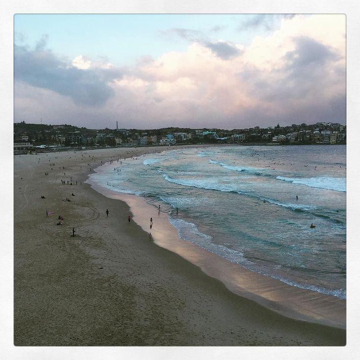 Monday night walks with this view  #bondi #bondibeach #bonditobronte #beach #walk #f45 #fit #fitgirl #cardio #walk #monday #exercise #healthyliving #healthy #fitness #friends #love #happy #sydney #summer #instadaily #instagram #fitfam by clare_leask http://ift.tt/1KBxVYg