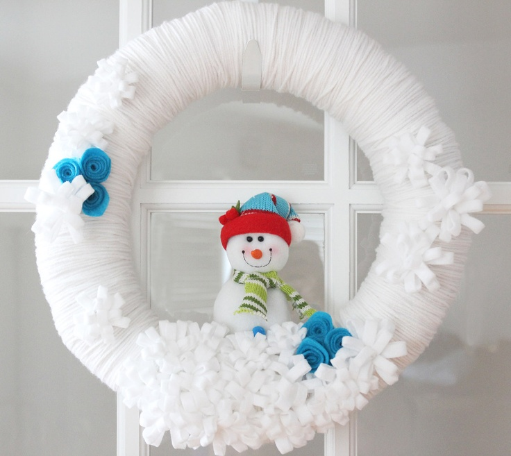 Winter White Yarn Wreath with Snowman Home Decor by TheLandofCraft