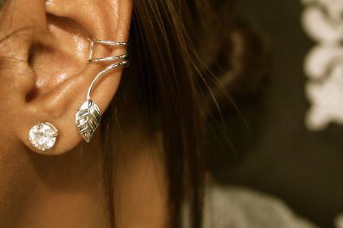 ear cuff: Cool Earrings, Fashion Earrings, Cute Earrings, Crafts Projects, Jewelry, Accessories, Leaves, Ears Piercing, Ears Cuffs