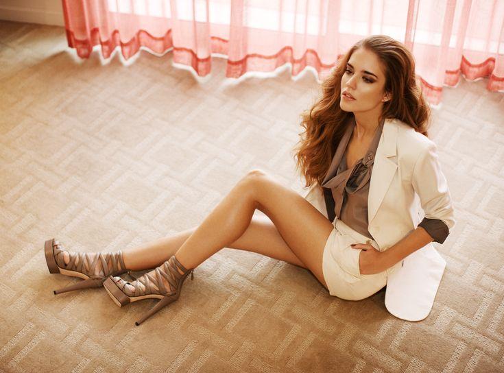 Clara Alonso's Feet << wikiFeet
