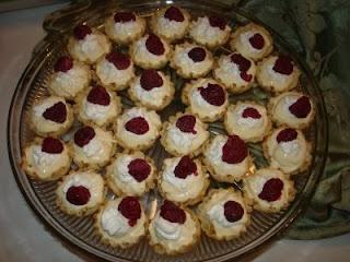 Lemonade Tarts with Raspberries | Summer BBQ | Pinterest