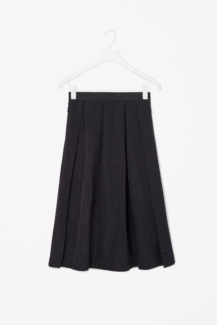 Ripple-effect skirt