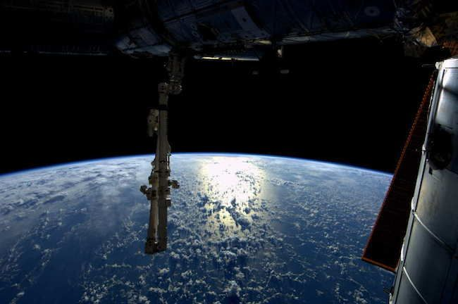The Sunlight Touching Our Planet 30 Stunning Pictures Of Earth Taken From Space • Page 6 of 6 • BoredBug
