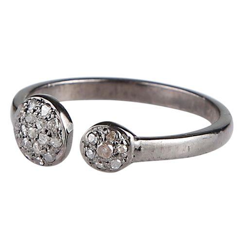 Cool ring med to cirkler prydet med diamanter