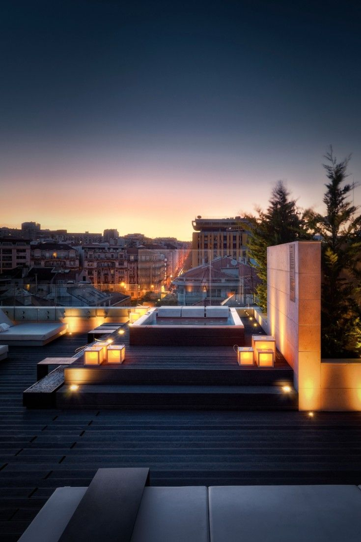 Take a dip in the rooftop Jacuzzi. #Jetsetter