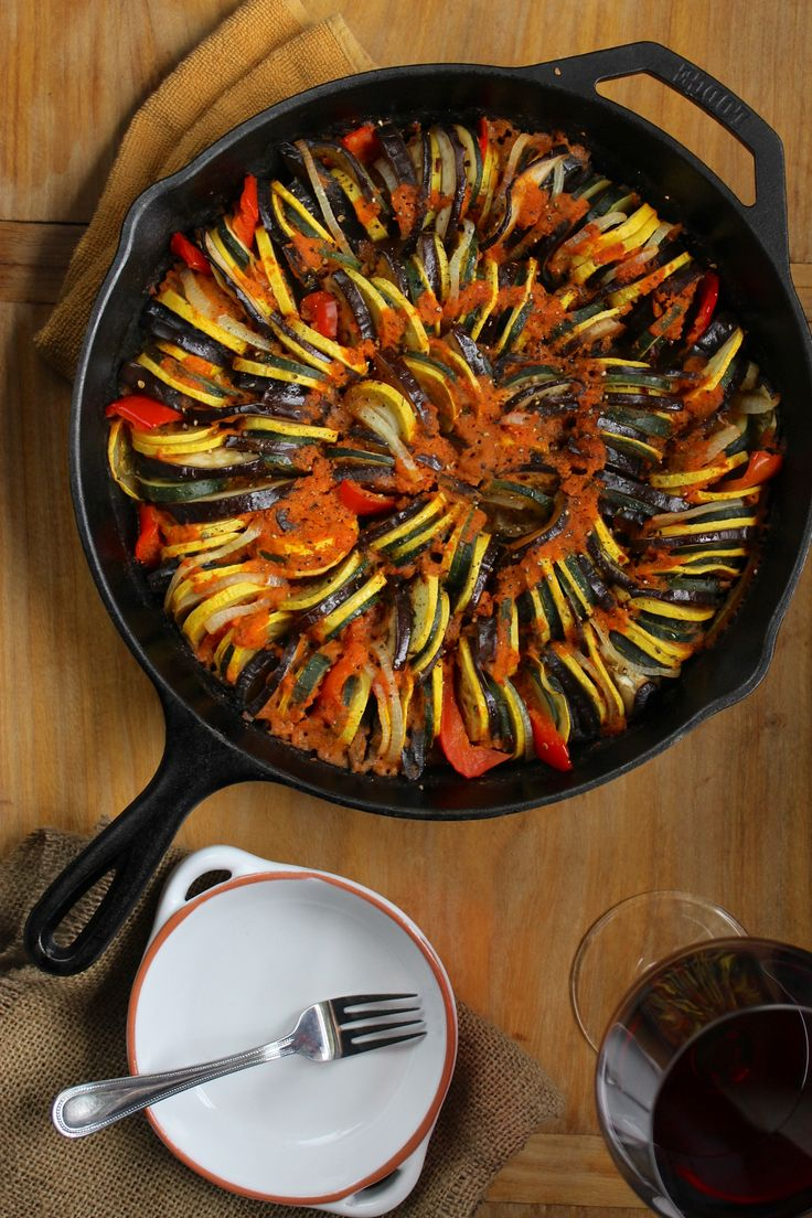 Simple Cast Iron Skillet Ratatouille-Going to have to try this soon. I have all of the ingredients at my house already.