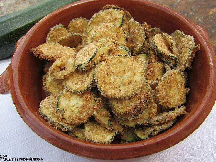 Le chips di zucchine al forno, sono l'ideale per un aperitivo, per un happy hour o come contorno e non contengono grassi