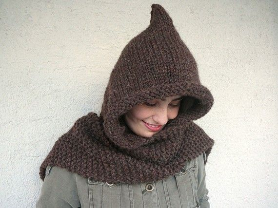 It is knitted with dark brown high quality wool-acrylic yarn that is soft and very cozy. The two sides of the hood is binding with popper that makes it very useful. It has a small scarf that keeps you warm and cozy. £33.64