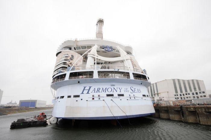 New photos of Royal Caribbean's Harmony of the Seas construction